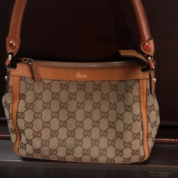 Authentic Gucci  GG Canvass Small Shoulder Bag